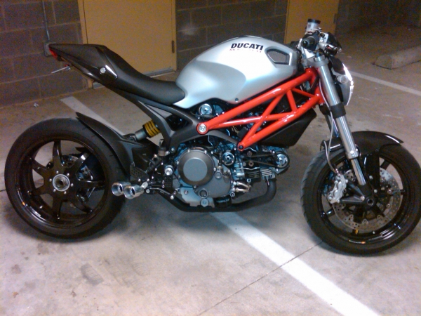ducati monster 1100 umbau 39 125er motorrad. Black Bedroom Furniture Sets. Home Design Ideas