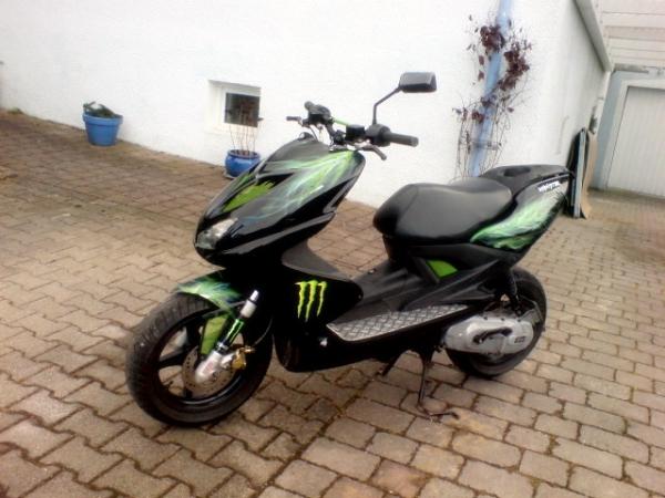 Alter Aerox Mit Airbrush Lackierung 125er Forum De Motorrad